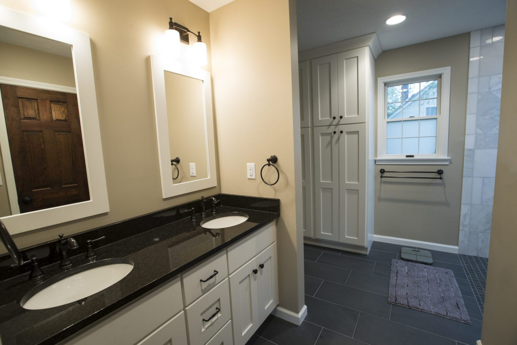 double sink vanity in master bath